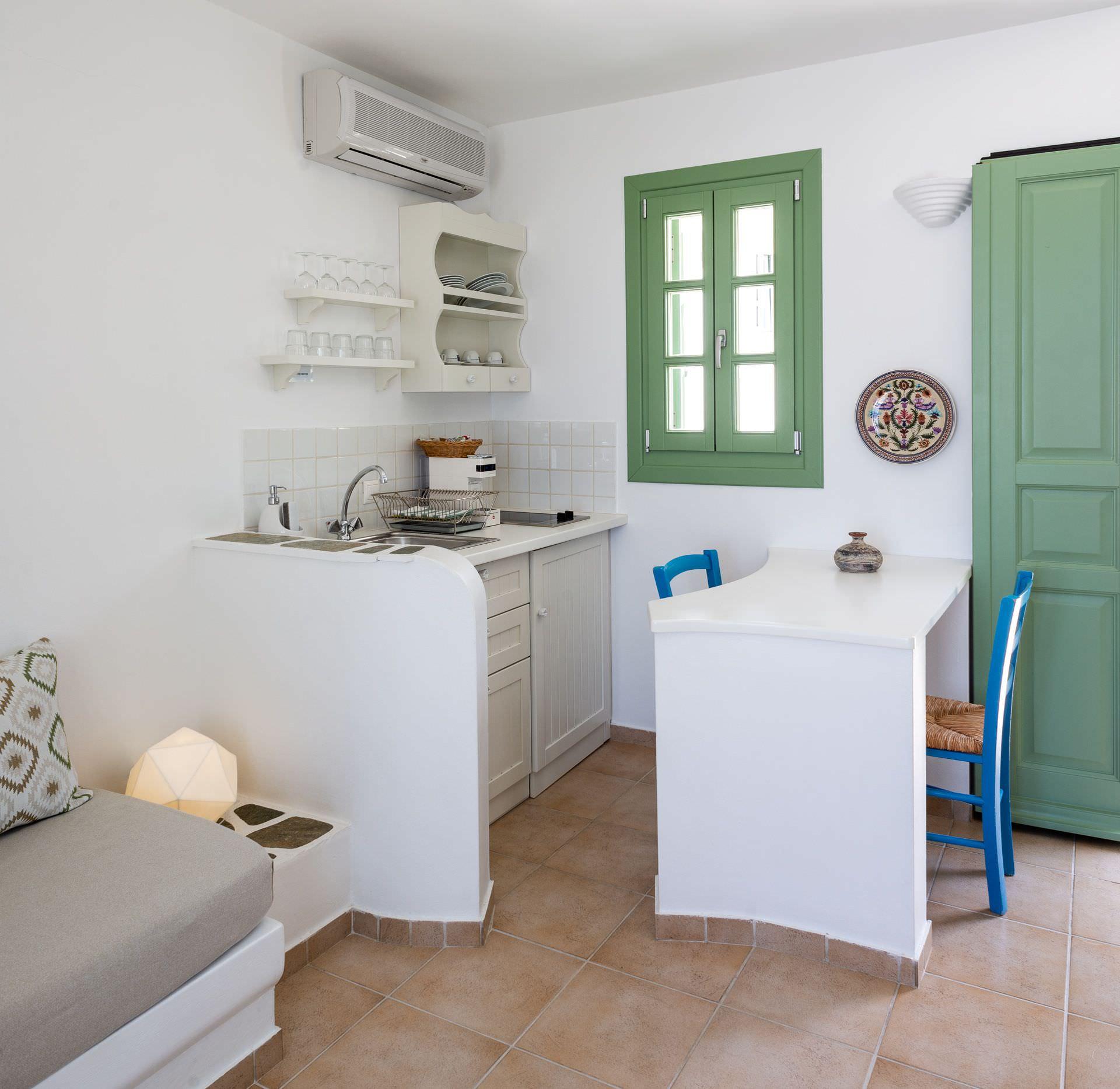Anemomilos Hotel | Folegandros | Family Studios